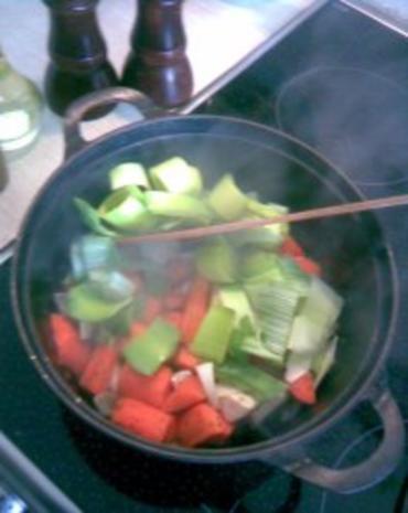 Gemüsesalat mit Hähnchenstreifen - Rezept - Bild Nr. 3