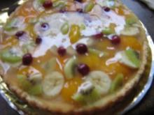 Obstkuchen mit Aprikosen- Bananen-Kiwi- Cranberrie - Rezept