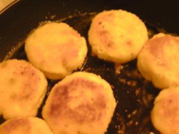 Gries-Käse-Bratlinge mit Sonnenblumenkernen - Rezept