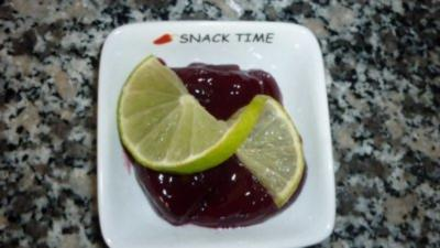 Beschwipste Erdbeermarmelade - Rezept