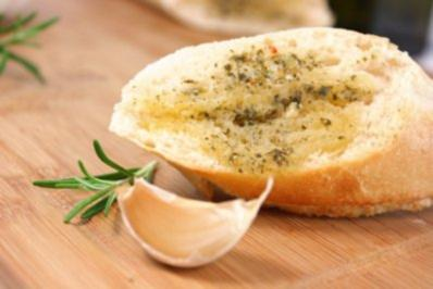 "Piri-Piri Butter mit Knoblauch - auf portugiesisch ""Manteiga com Alho-Piri-Piri"" - Rezept"