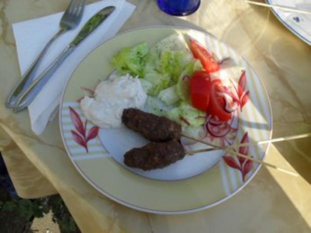 Kebab-Spieß aus Rinderhack mit Tzaziki mit Minze siehe KB - Rezept - Bild Nr. 8