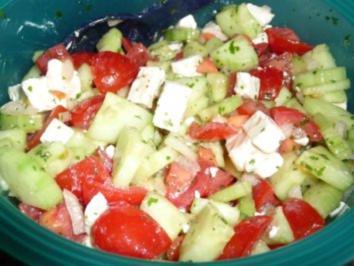 Tomaten-Gurken-Schafskäsesalat - Rezept