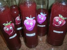 Erdbeer-Limes - haltbarer gemacht - kühl aufbewahrt, hält er sich ca. 2 1/2 Monate - Rezept