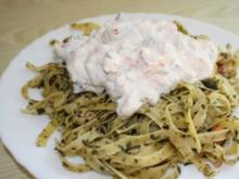 Pasta ala Kräuter-Provenza mit Quark-Flusskrebsschwänze-Kürbis-Dip - Rezept