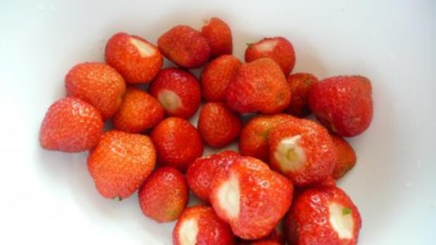 Luftige Windbeutel und Eclairs mit Erdbeercreme - Rezept - Bild Nr. 16