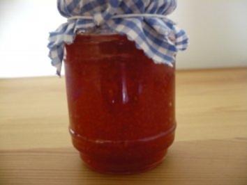 Aprikosen - Erdbeer - Konfitüre  italienischer Art - Rezept