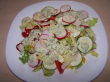 Sommersalat mit Avocadodressing - Rezept