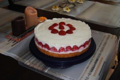 Mascarpone-Erdbeer-Torte - Rezept