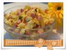 Salat:  Schinkenwurst- Salat mit Apfel......und  Mayonnaise - Rezept