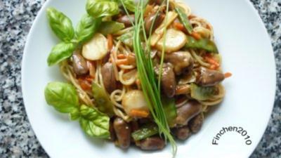 Rezept: Asiatisches Gemüse-Herz trifft italienische Pasta