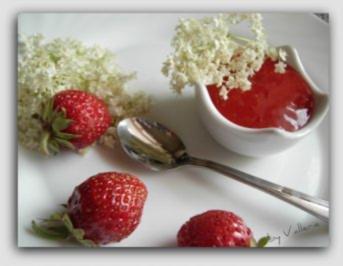 Erdbeer-Hollunderblüten Konfitüre - Rezept
