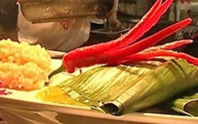 Paket von Marlin und Mango-Chili-Chutney im Bananenblatt - Rezept