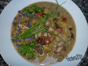 Rezept: Cremige Kartoffel-Pilzsuppe mit Mettwürstchen