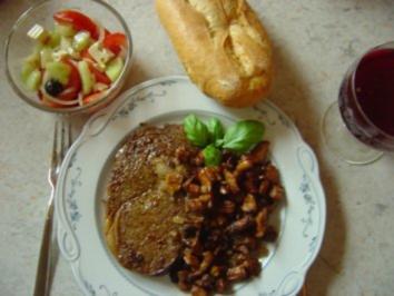 Entrecote als Steak mit Pfifferlingen und deftigem Griech. Bauernsalat - Rezept