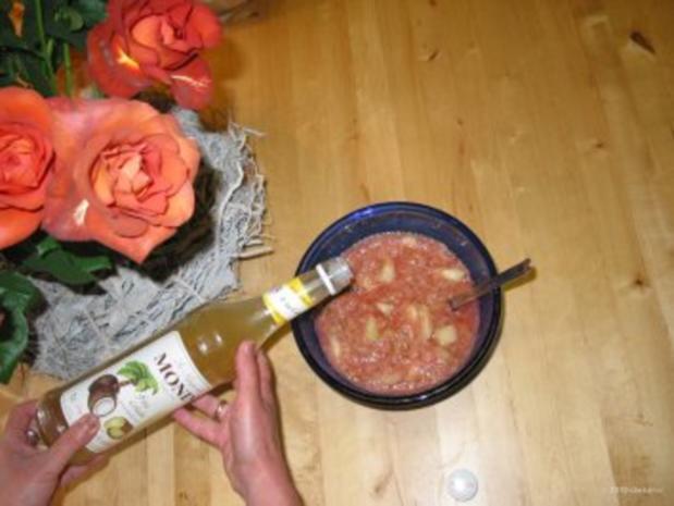 Dessert- Rhabarber mit Honigmelone und Weinbergpfirsich mit Sahne oder und Eis - Rezept - Bild Nr. 4
