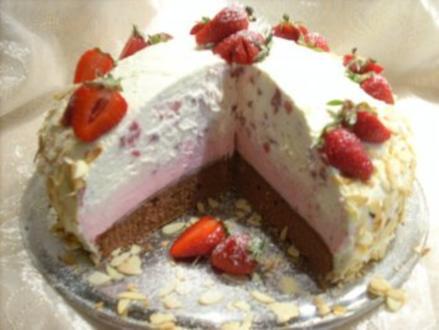 Erdbeer-Joghurt-Kuppeltorte - Rezept