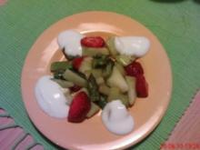 Melonen-Erdbeer-Spargel Salat mit Joghurt - Rezept