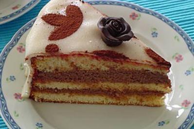 Rezept: Drusilla`s Nougat-Marzipan-Torte