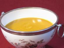 Kürbissuppe mit Curry und Knoblauch - Rezept