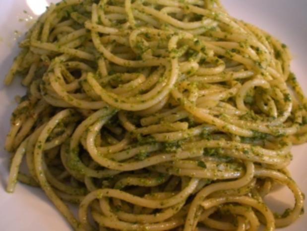 Spaghetti mit Basilikumpesto - Rezept