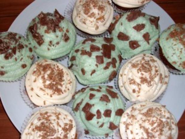 Cupcakes mit Mandel- und Waldmeister-Topping - Rezept - Bild Nr. 2