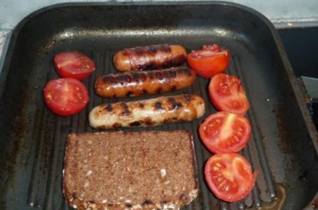 Grillen: Grillwürstchen auf Vollkornbrot mit Käse überbacken - Rezept - Bild Nr. 2