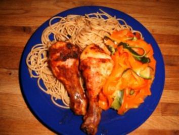 Hähnchenschenkel an Vollkornspaghetti und Gemüse - Rezept