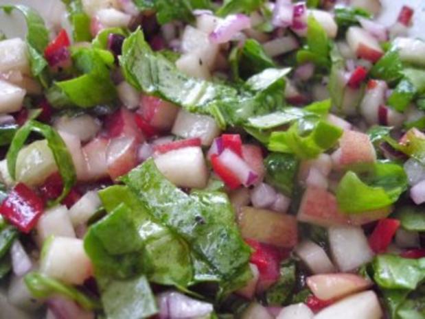 Weinberg-Pfirsich-Salat mit Pfeffersteak - Rezept - Bild Nr. 4