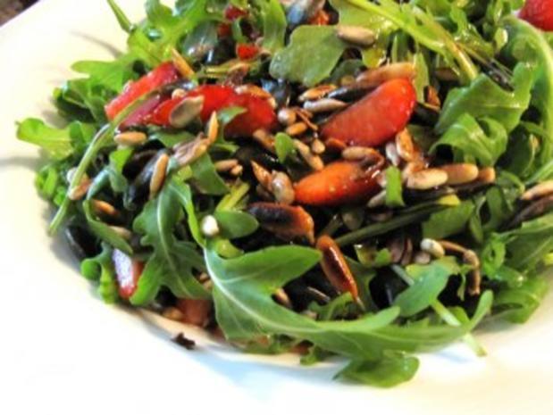 Rucola-Erdbeer-Salat mit Balsamicodressing - Rezept - Bild Nr. 2