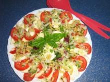 Tomaten-Mozzarella an Blattsalat - Rezept