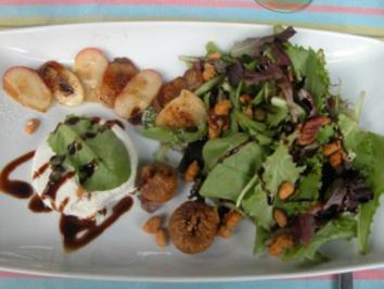 Gewärmter Ziegenfrischkäse an Pflücksalat und Bergpfirsich - Rezept