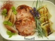 Spanferkel-Krustenbraten aus dem Lavendelrauch mit Maultaschen und Bratschalotten - Rezept