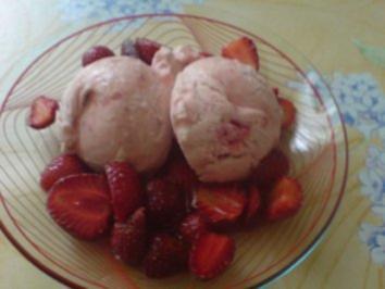 Erdbeer-Sahne-Eis - Rezept