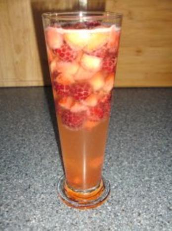 Erdbeeren + Himbeeren mit Secco - Rezept