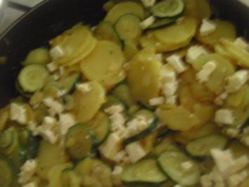 Kartoffel und Zucchini mit Feta - Rezept