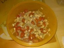 Tomate-Mozarella Salat mit Nudeln - Rezept