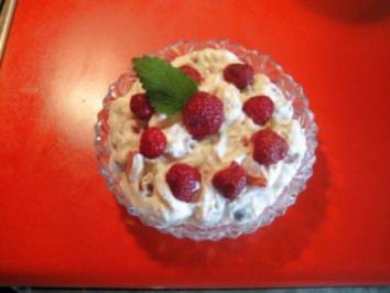 Quark mit Sahne und Erdbeeren - Rezept