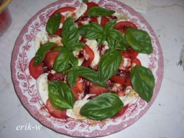 Tomaten-Mozzarellaplatte mit fruchtigem Balsamico - Rezept - Bild Nr. 2