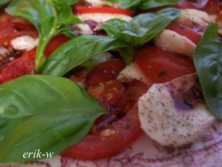 Tomaten-Mozzarellaplatte mit fruchtigem Balsamico - Rezept
