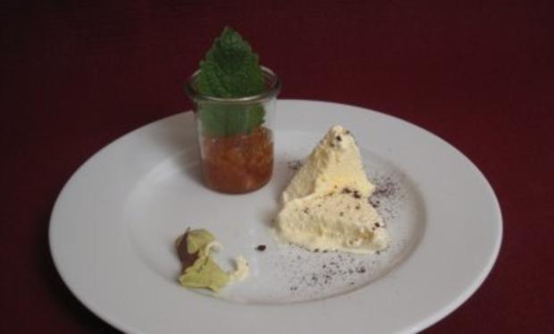 Vanilleparfait und Kumquat-Relish - Rezept
