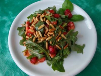 Erdbeeren mit Rucola (Erdbeeren für die Erdbeere, grins ;o)) - Rezept