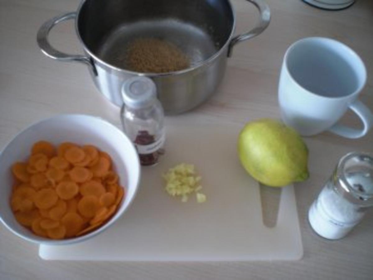 Jakobsmuscheln Safran Crumble Mit Karotten Confit Und Orangenbluten Laksa Rezept Kochbar De