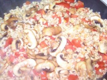 Weizen-Pfanne mit Tomaten und Champignons - Rezept