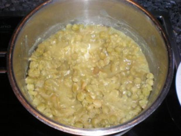 """Erbspüree als Beilage zum gekochten Eisbein - ein Kindheitslieblingsessen """"Erbsbrei"""" - Rezept"""