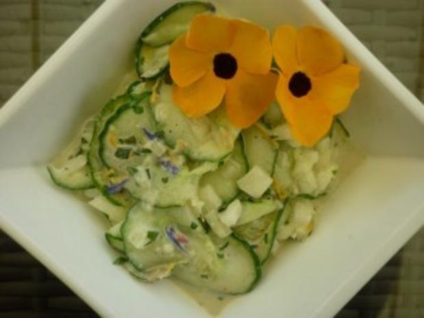 Ingwer-Limetten-Frikadellen vom Grill mit Gurkensalat und kalter Tomatensauce - Rezept - Bild Nr. 2