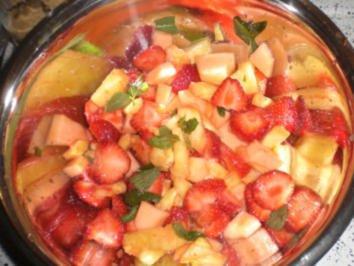 Früchte in Orangenmarinade - Rezept