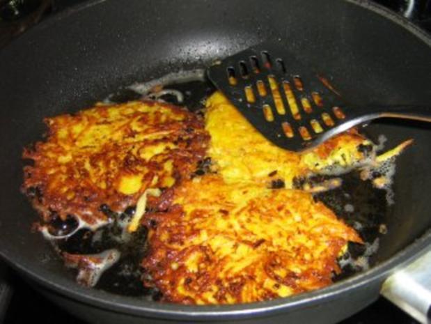 Kartoffel-Karotten-Puffer mit Apfelmus - Rezept - Bild Nr. 5