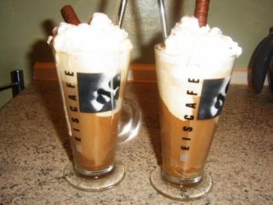 Eiskaffee mit Schuß - Rezept