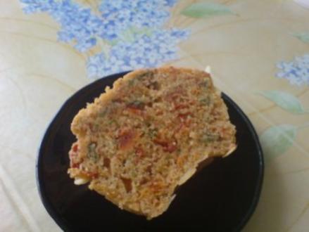 Gugelhupf mit Tomaten und Basilikum - Rezept
